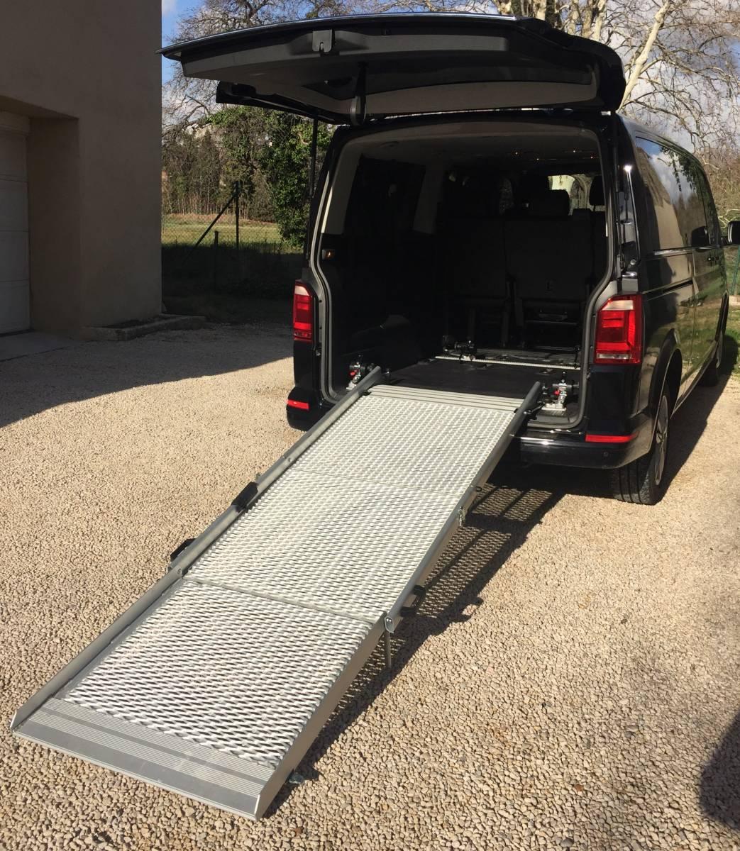location de voiture avec chauffeur marseille acm chauffeur services. Black Bedroom Furniture Sets. Home Design Ideas